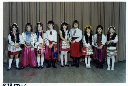 361_schooldancers1977.jpg