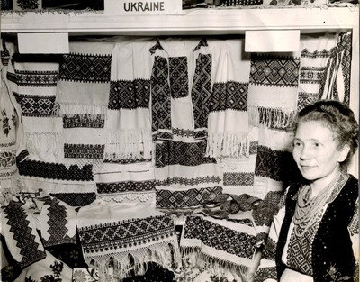 162_embroiderydisplay1949.jpg